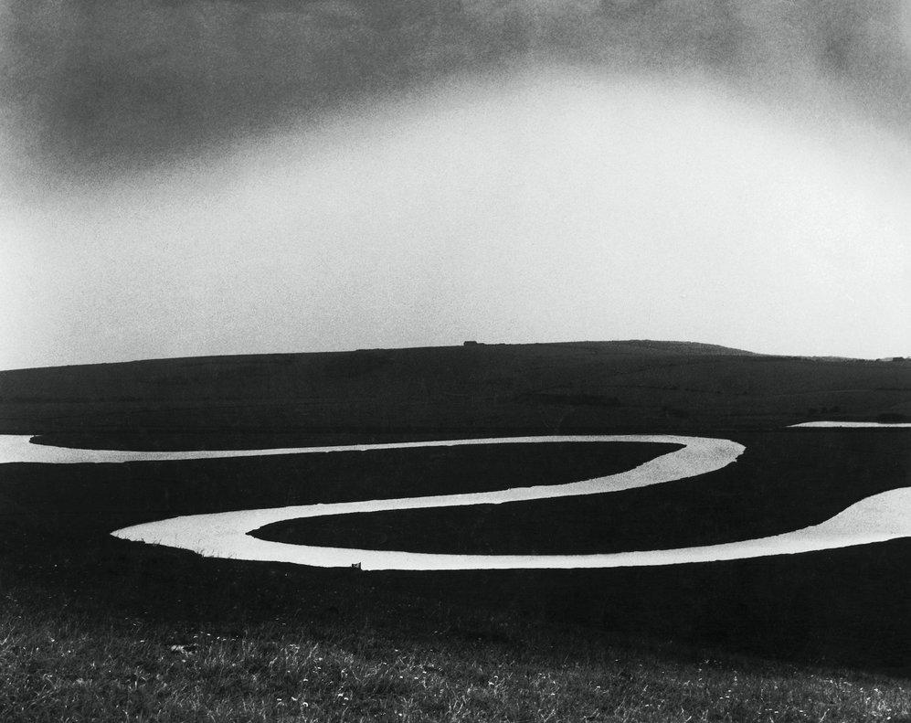 Obra.Cuckmere River, 1963de la colección privada. Cortesía de Bill Brandt Archive and Edwynn Houk Gallery.