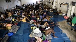 Centro donde están recluidos por las autoridades los inmigrantes en Trípoli.