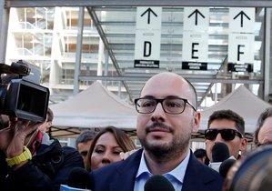 Nicolás López, famoso cineasta chileno acusado de delitos sexuales.