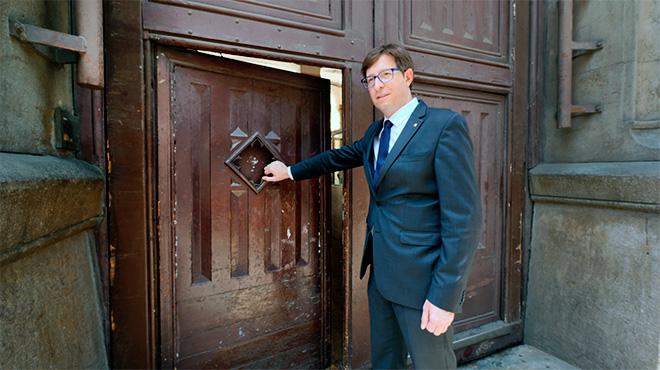 El conseller de Justícia, Carles Mundó, oficializa el cierre de la emblemática prisión