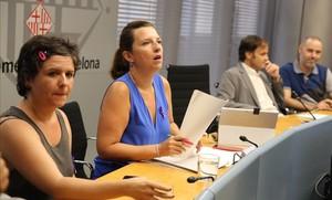 Comisión extraordinaria de presidencia por la agresión de manteros a un turista, presidida por Laia Ortiz.
