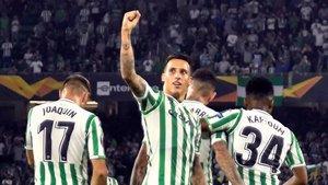 Cristian Tello celebra un gol con el Betis.
