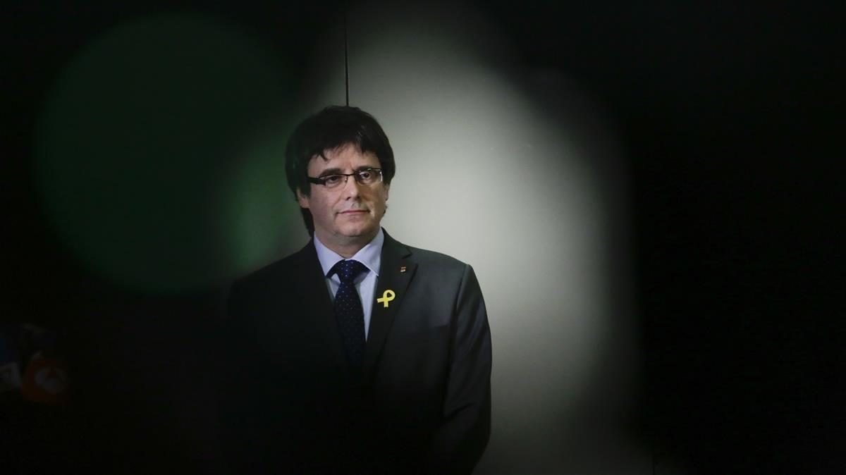 La Justícia alemanya aixeca les mesures cautelars contra Puigdemont
