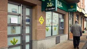Fachada de la sucursal bancaria de Morales del Vino (Zamora).