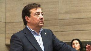 Guillermo Fernández Vara, en el pleno ordinario del 17 de enero.