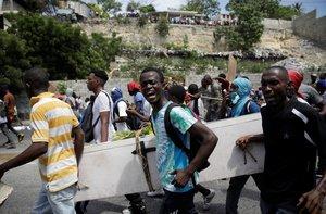Miles de haitianos protestan contra el régimen del presidente Jovenel Moise.