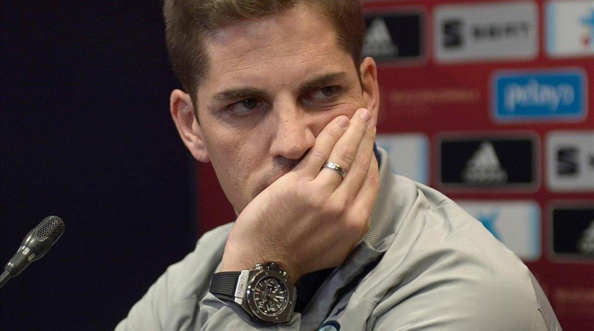 Robert Moreno en rueda de prensa con la selección española.