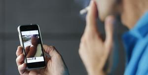 Condenado por coaccionar a pareja con una foto en la que aparecía semidesnuda