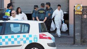 Un hombre sobre el que pesaba una orden de alejamiento ha asesinado a cuchilladas a su expareja en el domicilio de esta en la localidad de Vilalba, Lugo.