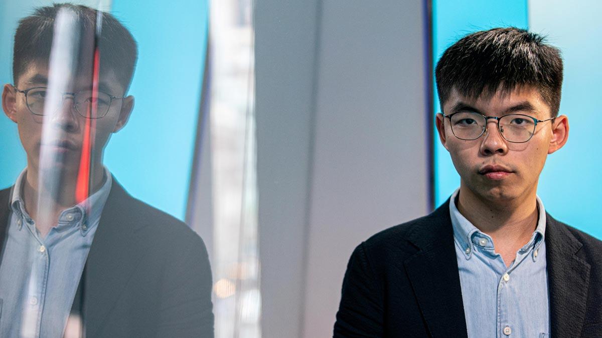Hong Kong prohíbe al activista Joshua Wong presentarse a los comicios locales.