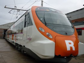 Imagen que difunde Renfe de un tren de Rodalies sin grafitis.