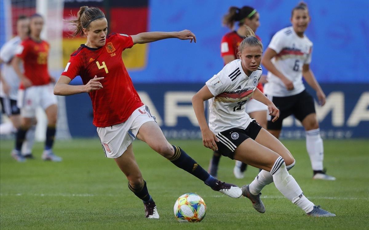 """Así ha cambiado la mentalidad ante el Mundial femenino entre padres e hijos: """"El futuro promete"""""""