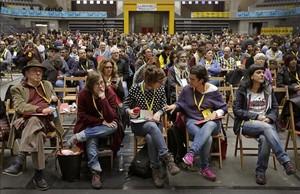 Los exdiputados De Jòdar, Reguant, Vehí, Gabriel y la ahora diputada Sànchez, en la asamblea extraordinaria de la CUP.