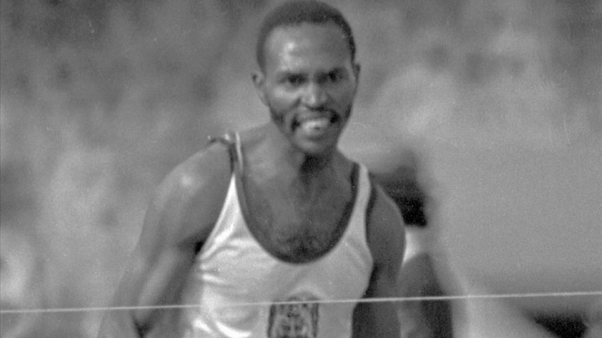 Kipchoge Keino, campeón olímpico de 1.500 metros en 1968.