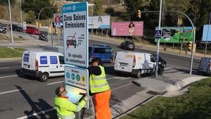 Les càmeres controlaran l'entrada de vehicles contaminants a Barcelona