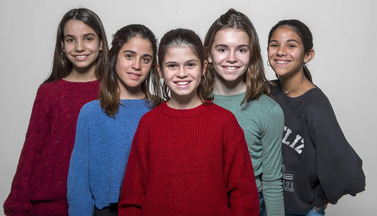 Anna Cascos (piña), Noa Massoutié (kiwi), Gina Santaló (limón), Mar Blanch (fresa) y Carlota Arrey (mandarina), las nuevas integrantes de Macedònia