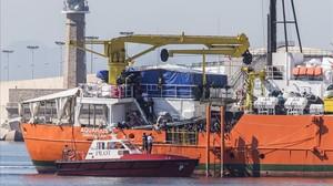 Llegada del 'Aquarius' al Puerto de València con cientos de inmigrantes tras serle negado el desembarco en Italia