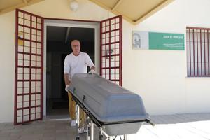 Llegada de los restos mortales de Blesa al Instituto Anatómico Forense de Alcolea.
