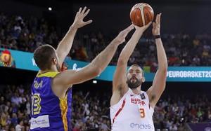 Espanya manté el ritme davant Romania