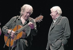 Los amigos, primero: Paco Ibáñez invitó a Pasqual Maragall a cantar Les copains dabord de Brassens.