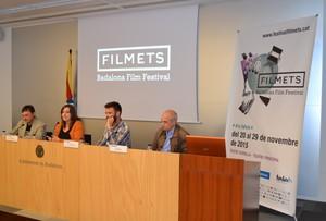Los concejales Jose Téllez y Laia Sabater junto al director del festival, Agustí Argelich y el consejero delegado de Badalona Comunicació, Josep Viñeta, en la presentación de Filmets.