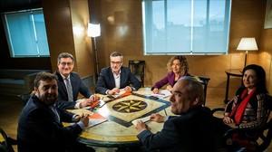 Los equipos del PSOE y Ciudadanos, este miércoles en el Congreso de los Diputados.