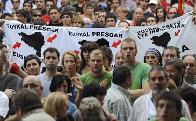 Manifestación de apoyo a los presos de ETA en San Sebastián.