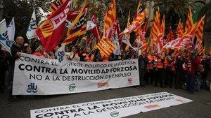 Manifestación de los funcionarios de Justicia frente a la Subdelegación del Gobierno en Barcelon, esta mañana