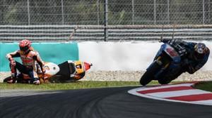 Marc Márquez (Honda) se ha caído hoy en la última curva de Sepang, justo delante del australiano Jac Miller (Honda).