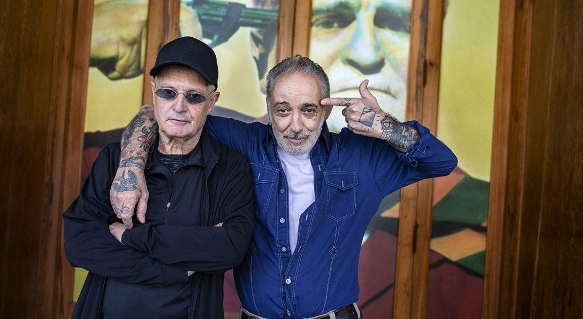 Miguel Trillo (izquierda) y Alberto García-Alix, dos de los fotógrafos que exponen sus imágenes de la movida en Foto Colectania, el 17 de octubre.