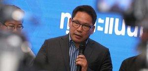 Els partits a favor i en contra dels militars s'adjudiquen la victòria a Tailàndia