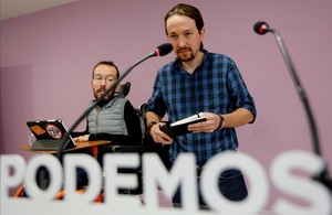 Pablo Iglesias comparece con Pablo Echenique en la sede de Podemos, en Madrid.