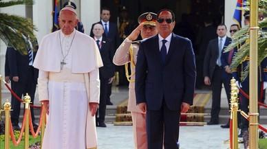 El Papa, Al Sisi y las flores de Neruda