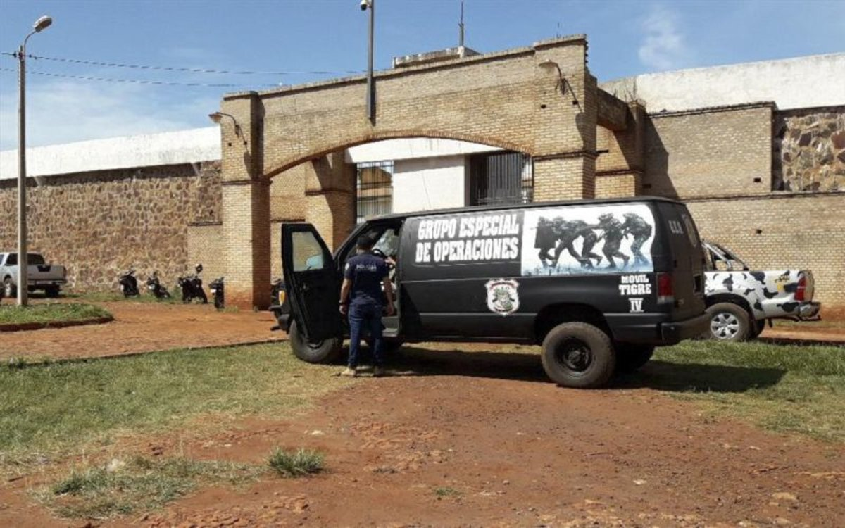 La Policía de Paraguay investiga la fuga de reos de una prisión.