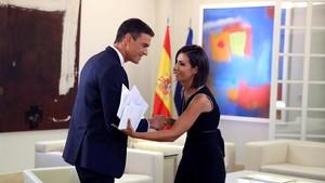"""Sánchez defiende su tesis y acusa a PP y Cs de """"enturbiar la democracia"""""""