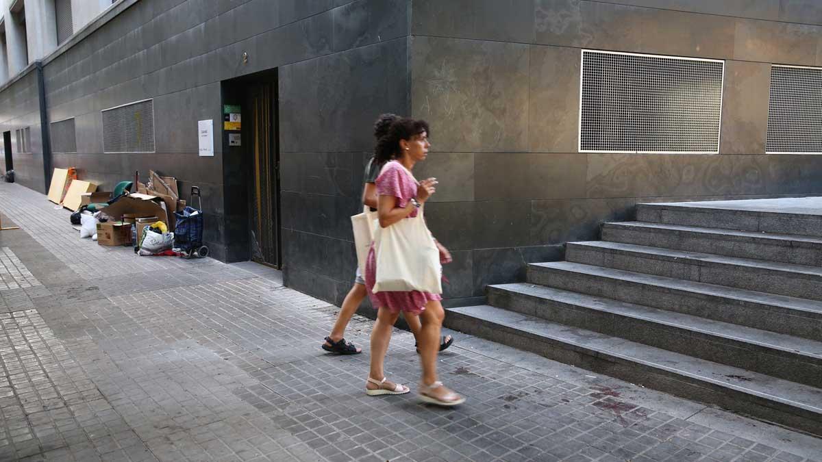 La plazoleta del Comerç en Ciutat Vella (Barcelona), donde murió un hombre en una pelea.