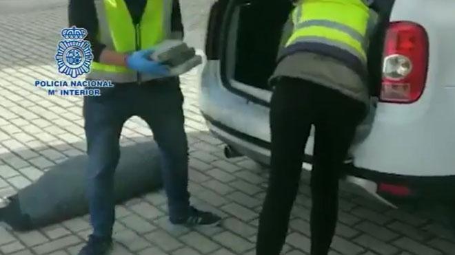 La Policía aborta el pase de 150 kilos de cocaína en la estación de Atocha de Madrid.