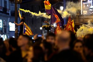 Manifestantesen la Puerta del Sol en Madrid.