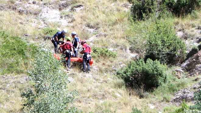 Rescate del cuerpo del joven muerto en la montaña, cerca de Espot.
