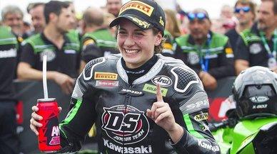 Ana Carrasco es converteix en la primera campiona del món de motociclisme