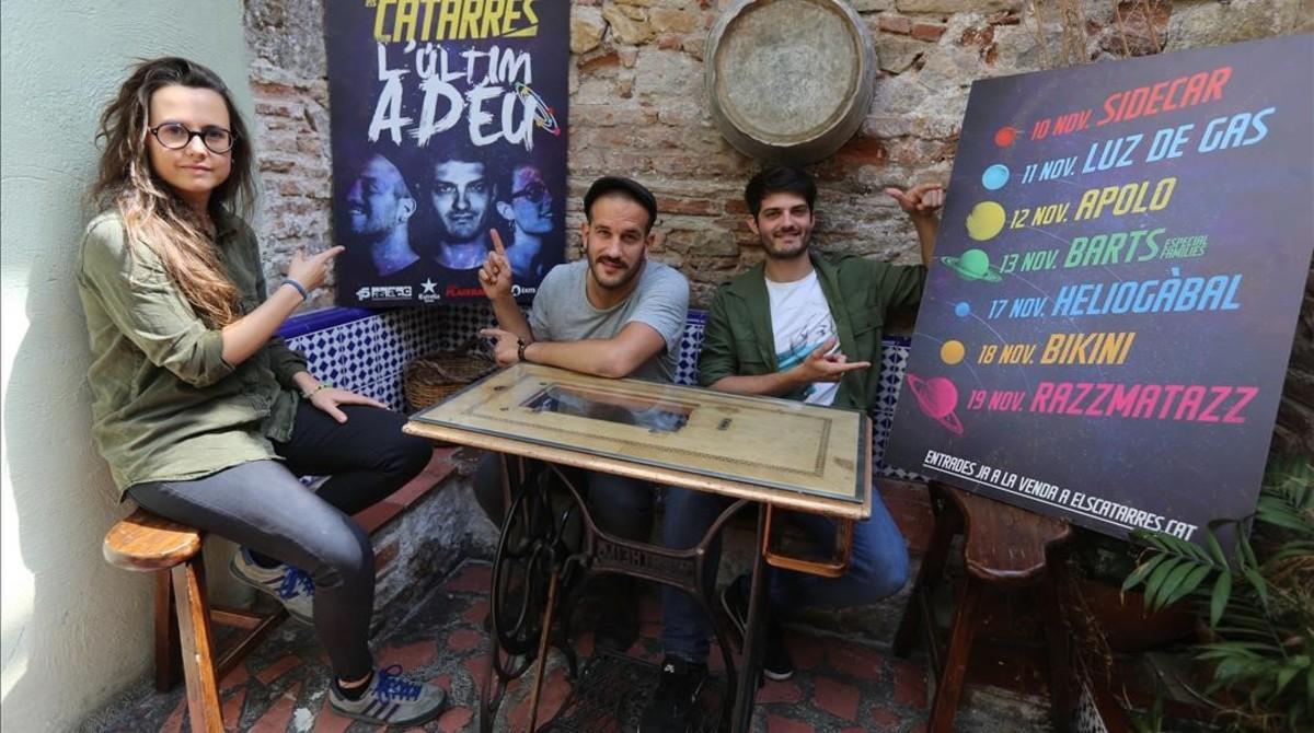 Roser Cruells, Jan Riera-Prats y Èric Vergés, Els Catarres, en la sala Heliogàbal.
