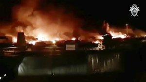 Imagen tomada de un video deInstagram en la que se ve la prisión de Angarsk, en la región de Irlutsk, en llamas.