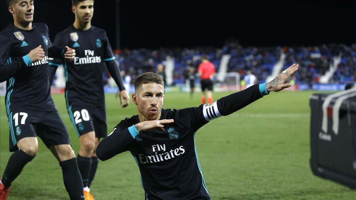 Sergio Ramos celebra el gol de penalti en el campo del Leganés