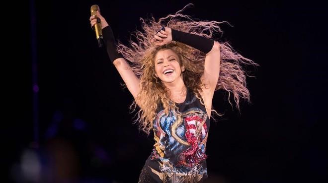 Shakira en París el 12 de junio en el concierto deEl Dorado Tour.