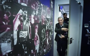 Svetislav Pesic abandona la sala de prensa del Palau Blaugrana