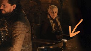 Un cafè de Starbucks es cola a 'Joc de trons'