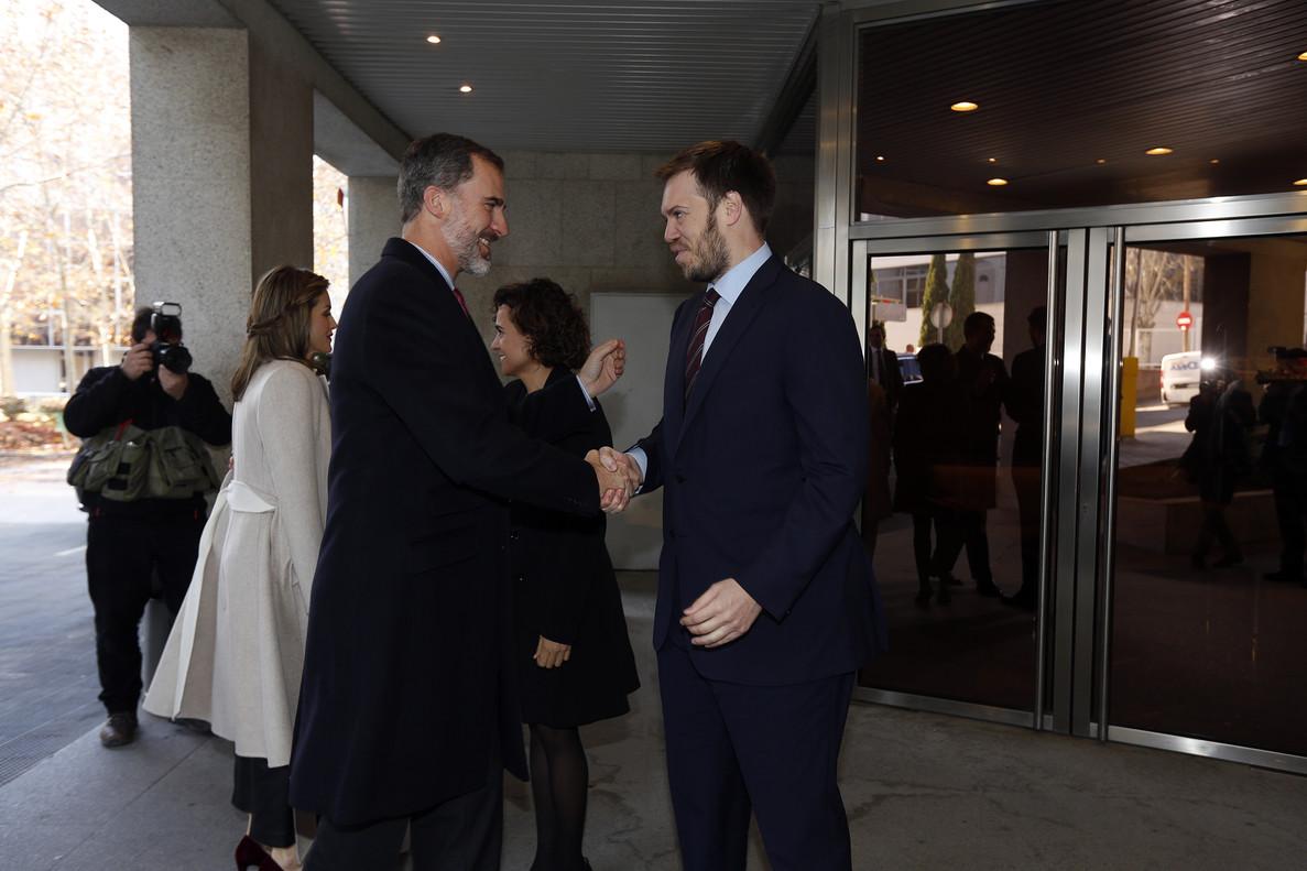 Visita de los Reyes a la sede del Grupo Zeta, este lunes, donde fueron recibidos y acompañadospor Antonio Asensio Mosbah.