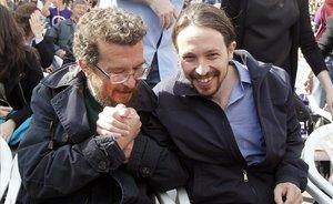 Pablo Iglesias junto a su padre en una imagen de archivo.
