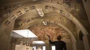 Pinturas de la sala capitular de Sijena expuestas en el MNAC.
