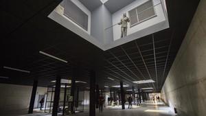 Vista general de 'Double bind', la monumental instalación que Juan Muñoz realizó para la Tate y que la Fundació Sorigué ha recuperado 16 años después.